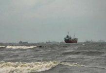 waspadai cuaca ekstrim di perairan Natuna dan Anambas.