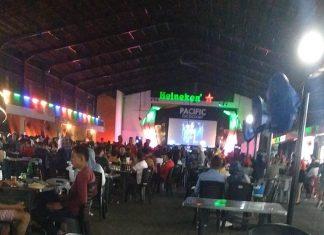 Kerumunan di Pacific Foodcourt Batam