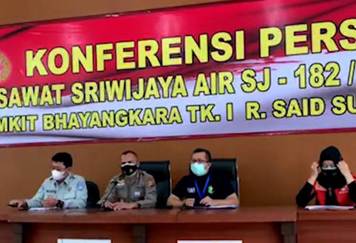 Konferensi Pers terkait jatuhnya pesawat Sriwijaya Air