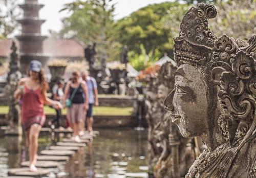 Kunjungan wisman ke Indonesia