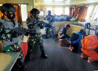 Latihan tempur Lantamal IV Tanjungpinang