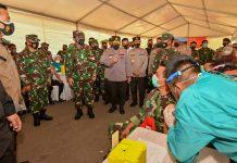 Vaksinasi TNI-Polri di Kepri
