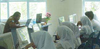 Proses pembelajaran tatap muka di salah satu sekolah di Provinsi Kepri.