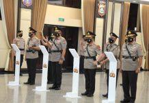 Kapolri Jenderal Polisi Listyo Sigit Prabowo melakukan upacara serah terima jabatan dan kenaikan pangkat perwira tinggi (pati) di lingkungan Mabes Polri dan beberapa Kapolda.
