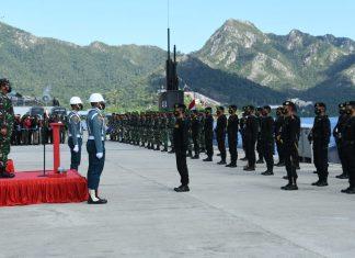 Panglima TNI meresmikan Kapal Selam KRI Alugoro di Faslabuh TNI AL Selat Lampa.