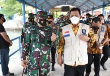 Gubernur Kepri Ansar Ahmad melaunching Penegakan Protokol Kesehatan di tempat umum dan di pelabuhan laut serta Pelaku Moda Transportasi Laut di Kepri di Pelabuhan Sri Bintan Pura, Tanjungpinang, Kamis (1/4/2021).
