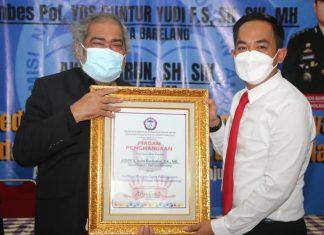Kapolresta Barelang beserta Kasat Reskim dan Personel Satreskrim Polresta Barelang meraih penghargaan atas dedikasi respon cepat penanganan kasus anak di wilayah hukum Polresta Barelang.