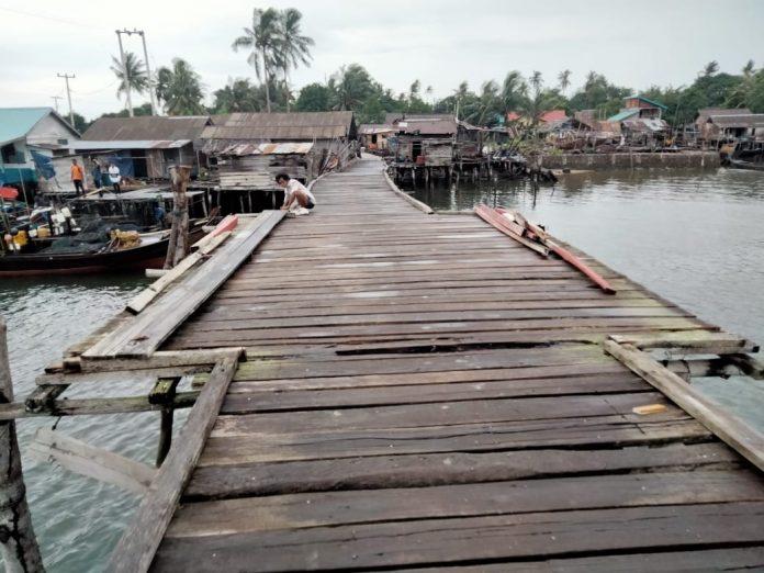 Jembatan Bakung di Lingga