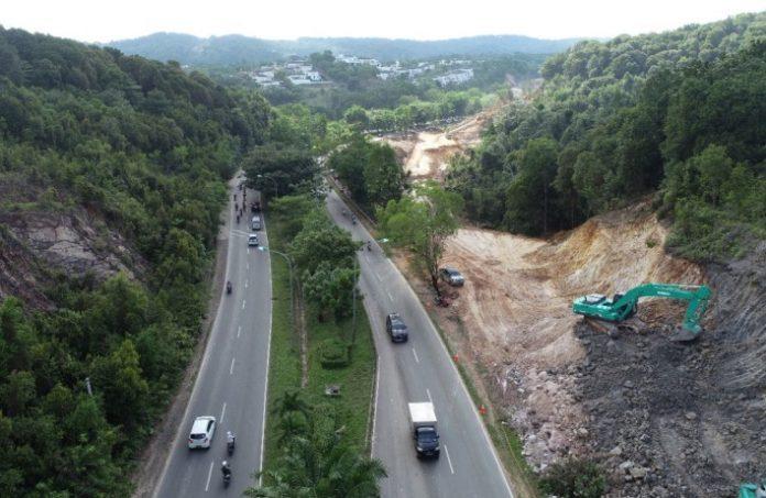 BP Batam melaksanakan peningkatan Jalan Arteri Gajah Mada Tahap 1 (depan Southlink)
