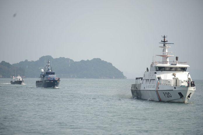 Kanwil Khusus Bea Cukai Kepri menggandeng KPLP dan Korpolairud Baharkam Polri menggelar patroli laut bersama, Selasa (8/6/2021).