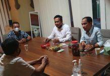 Muhammad Al Ichsan saat bertandang ke kantor redaksi gokepri.com.