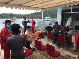 Satpolairud Polres Kepulauan Anambas melaksanakan kegiatan Vaksinasi Menjangkau Pulau (Nasi Kapau) pada Jumat (18/6/2021).