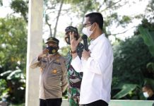 Wakil Wali Kota Batam, Amsakar Achmad, menyambut baik dan memberikan apresiasi kepada masyarakat yang sangat antusias melakukan vaksinasi.