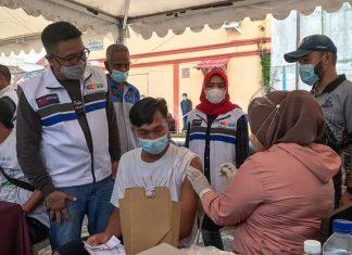 Vaksinasi warga Puri Malaka Batam, Sabtu (26/6/2021).