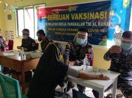 TNI Angkatan Laut (TNI AL) melaksanakan vaksinasi Covid-19 di Kabupaten Natuna, Kamis (15/7/2021).