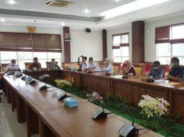 DPRD Kota Batam menggelar rapat dengar pendapat terkait pemutusan hubungan kerja sepihak di PT Schneider, Rabu (7/7/2021),