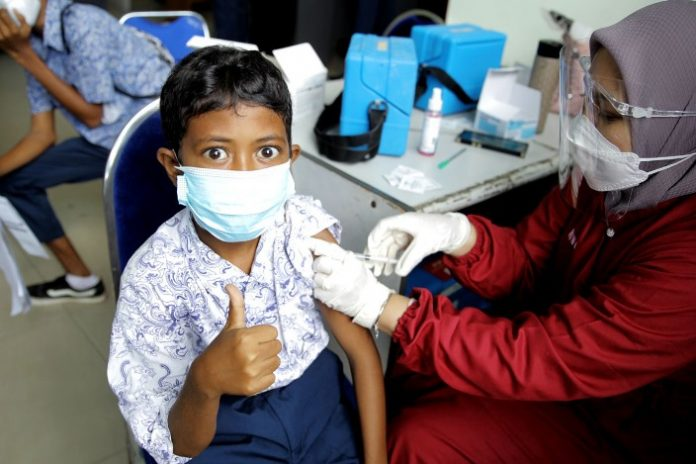 Vaksinasi untuk pelajar SMP di Batam, Kamis (8/7/2021).