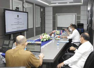 Wali Kota Batam, Muhammad Rudi, menghadiri rapat Paripurna DPRD Batam secara virtual, Selasa (27/7/2021).