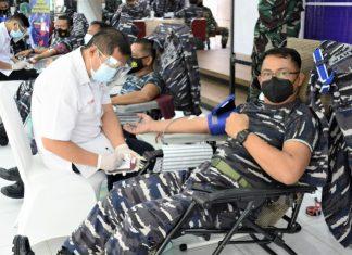 Lantamal IV Tanjungpinang menggelar donor plasma konvalesen dan donor darah ke masyarakat maritim di Gedung Serba Guna Mako Lantamal IV, Jl. Yos Sudarso No.1 Batu Hitam, Tanjungpinang, Kamis (12/8/2021).