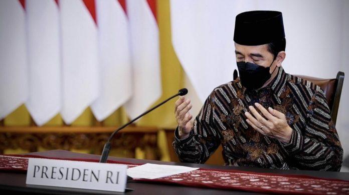Presiden Jokowi dalam Zikir dan doa kebangsaan 76 tahun Indonesia Merdeka
