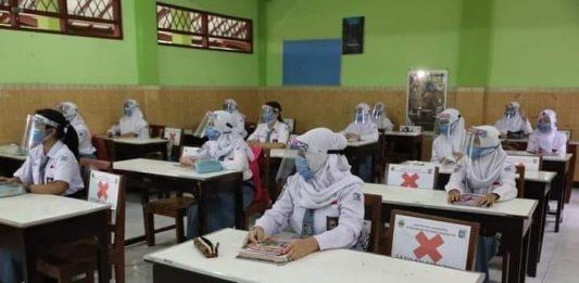 Pembelajaran tatap muka di sekolah
