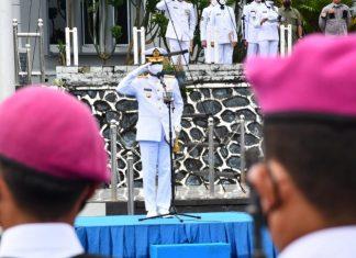 Danlantamal IV Tanjungpinang, Laksamana Pertama TNI Indarto Budiarto, menjadi Inspektur Upacara Peringatan HUT ke-76 TNI Angkatan Laut tahun 2021 di Lapangan Apel Mako Lantamal IV Jl. Yos Sudarso No.1 Batu Hitam Tanjungpinang Kepri, Jumat (10/9/2021) pagi.