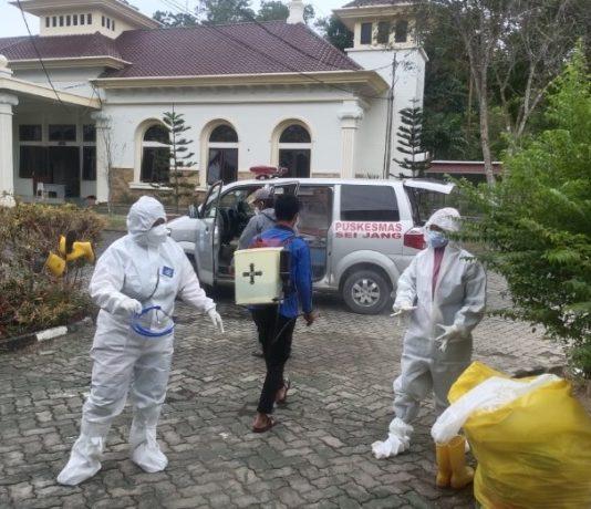 Satuan Tugas (Satgas) Covid-19 Kota Tanjungpinang dengan mengoptimalkan tempat karantina terpadu untuk mencegah penularan di tingkat keluarga.