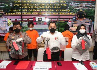 Satreskrim Polresta Barelang menggelar ekspos pengungkapan kasus pencurian data bank (skimming) dengan membobol ATM milik nasabah di Batam.